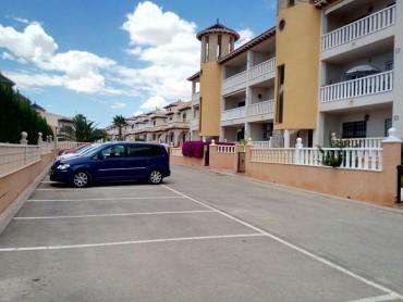 Аппартаменты на нижнем этаже в районе Ломас Кампоамор